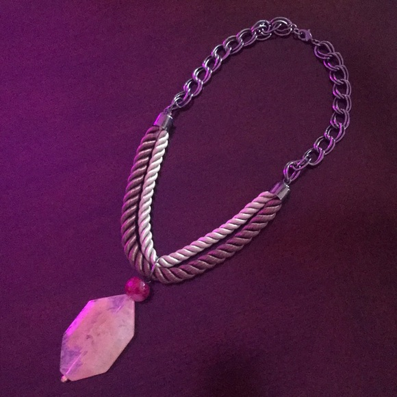 Anthropologie Jewelry - Anthro necklace